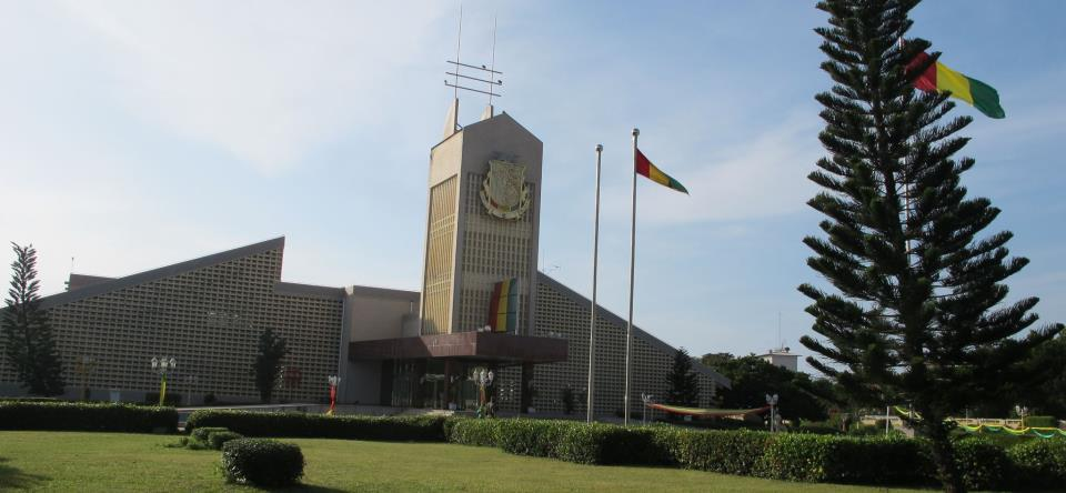 Nouvelles technologis: le PDG de Siemens signe un acccord avec la Guinée