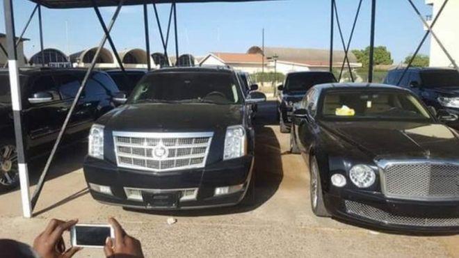 Gambie: les voitures de luxe de Yaya Jammeh vendues  pour réduire la dette
