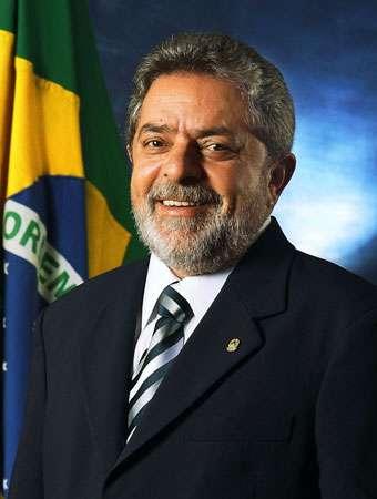 Brésil : toujours en prison, Lula est désigné candidat à la présidentielle par son parti