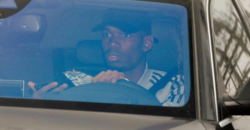 Paul Pogba visé par une enquête de la police anglaise pour avoir utilisé son téléphone au volant ?