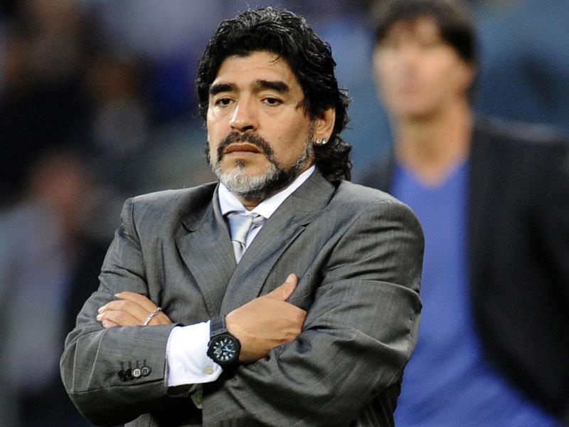 Diego Maradona soupçonné d'agression sur sa petite amie ?