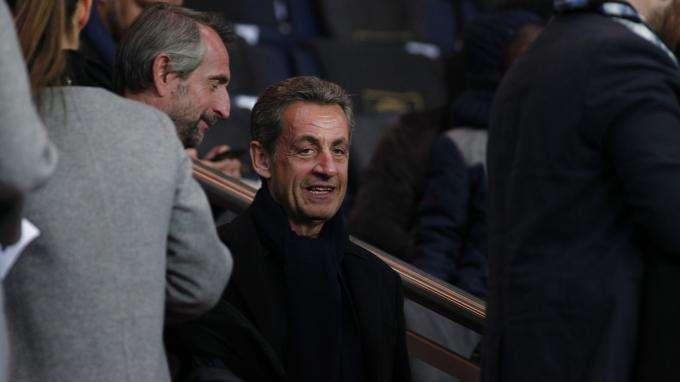 Sarkozy évacué du Camp Nou pendant Barcelone-PSG ? L'entourage dément